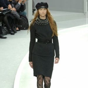 Chanel 08A runway cashmere black skirt 3 buttons S